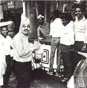 Rajendra Darda collecting funds for flood affected areas of Nanded and Parbhani , Aurangabad 1984.