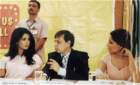 Actresses Priyanka Chopra and Bipasha Basu are all ears to Minister of State for Home Rajendra Darda.